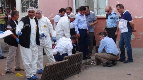 Eşinin evinin önünde bombayı patlattı
