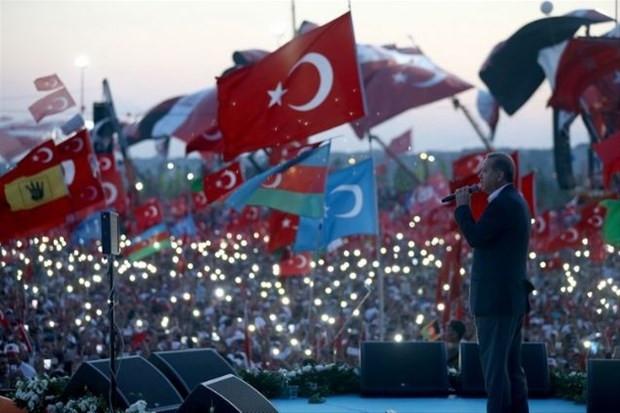 FETÖ'ye Türk halkından ağır darbe