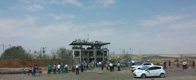 Diyarbakır'da bomba yüklü araçla saldırı