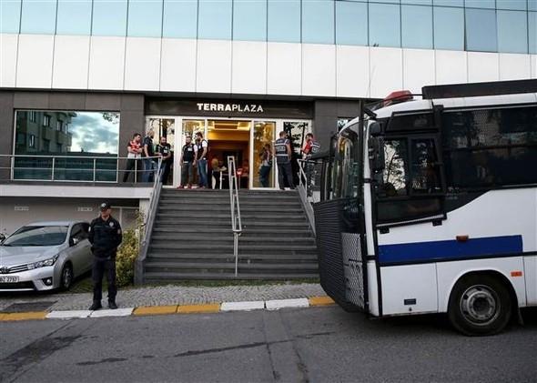 İstanbul'da dev holdinge operasyon