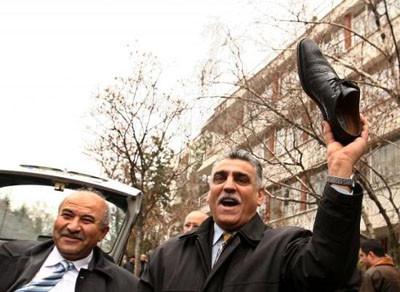 Iraklı gazeteciye destek yürüyüşü