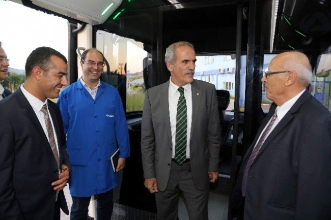 Türkiye'nin ilk yerli metrobüsü Bursa'da üretildi