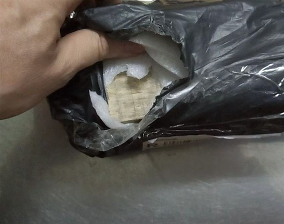 İnternetten sipariş verdi, paketten..