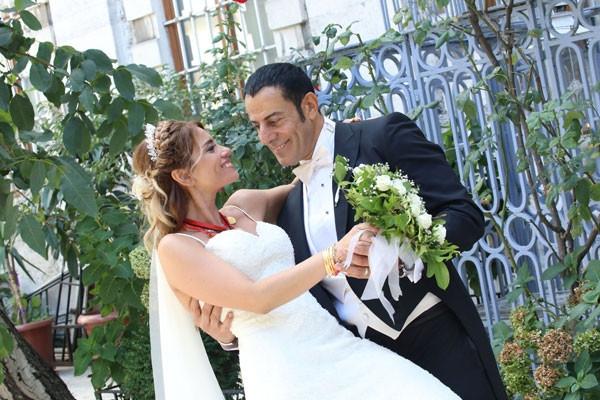 Ünlülerin spor hocası evlendi
