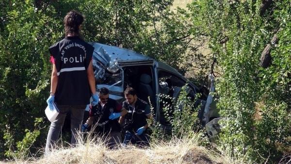 Korkunç kaza ! İki aile yok oldu
