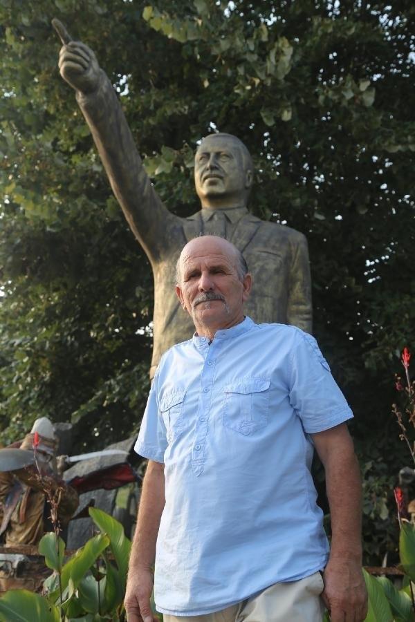 Cumhurbaşkanı Erdoğan'ın 4 metrelik heykelini yaptı