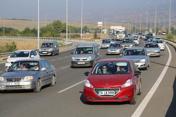 TEM'de trafik sabaha kadar bitmedi