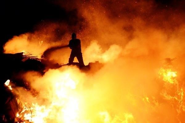 Bodrum'da başlayan yangın söndürülemiyor