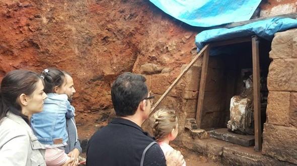 Kibele'ye ziyaretçi akını