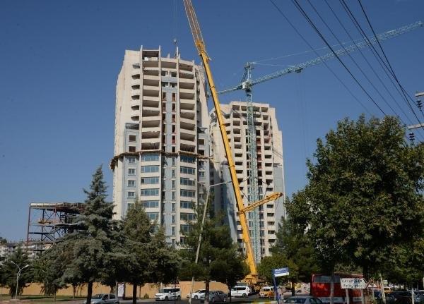 Diyarbakır'ın ikiz kuleleri tıraşlanıyor