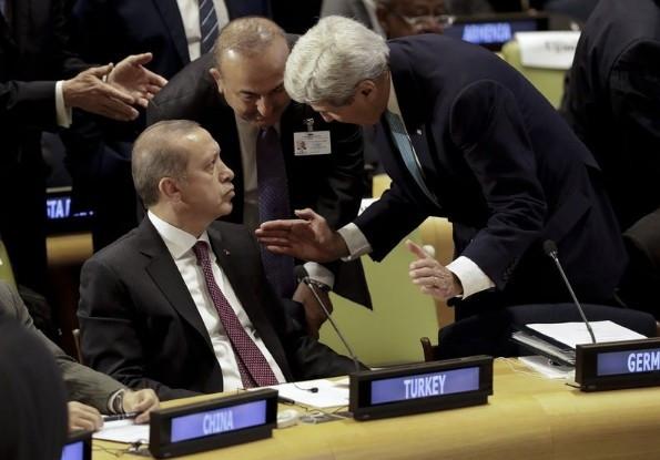 John Kerry Erdoğan'ın yanına geldi ve...