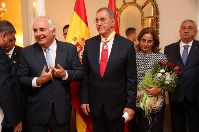 Dr. Zeynel Abidin Erdem'e İspanya'dan sivil liyakat nişanı