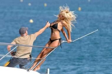 Pamela Anderson dergi çekimlerinde