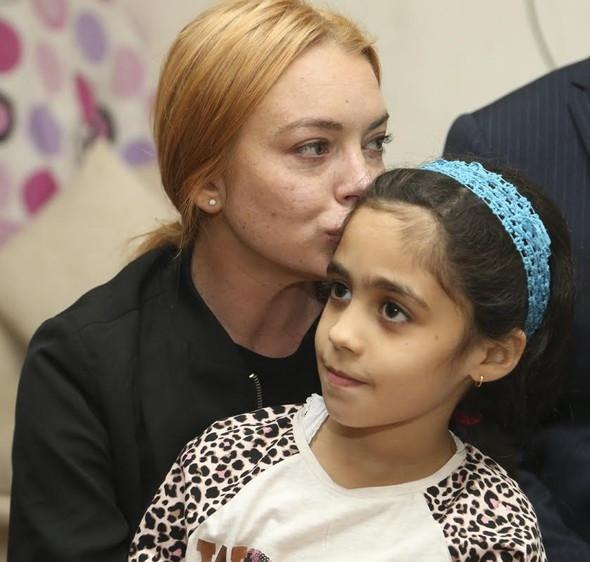 Hollywood yıldızı Lohan Suriyeli aileyi ziyaret etti