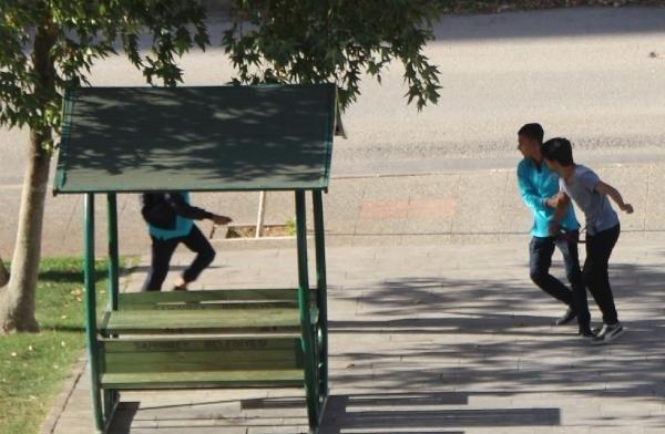 Lise çıkışı ortalık karıştı: 4 yaralı