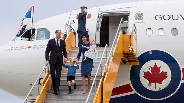 Dünya liderleri onun önünde diz çöküyor!
