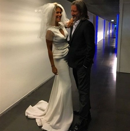 Tanıştıktan 4 gün sonra evlendi
