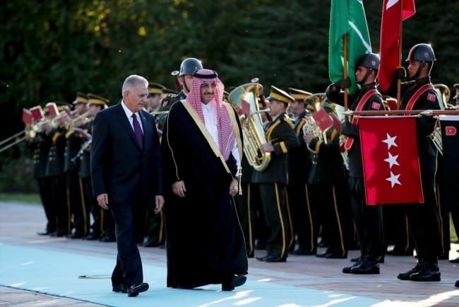 Başbakan Suudi Prensi böyle karşıladı