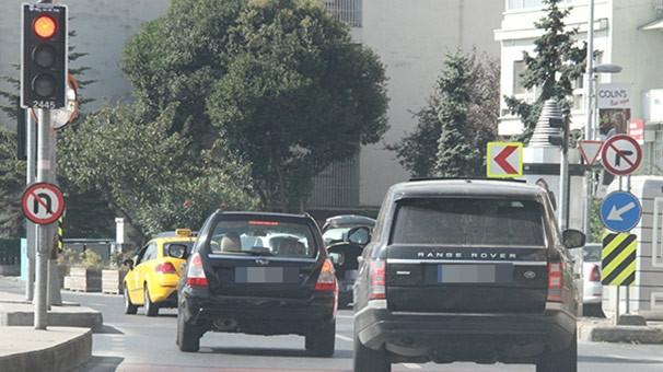 Murat Boz'un kura tanımayan şoförü