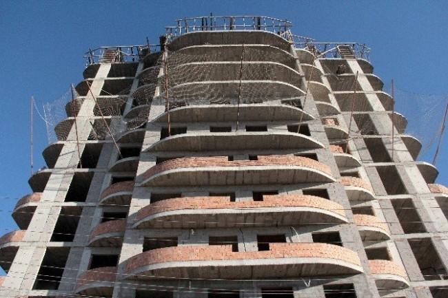 9. kattan düşen işçiyi güvenlik filesi kurtardı