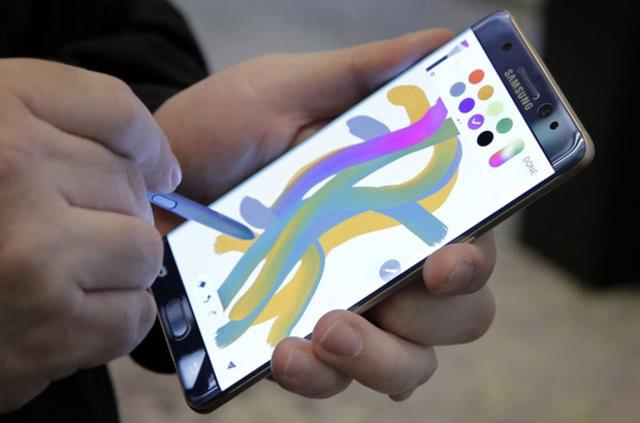 Türkler 'patlayan' Galaxy Note 7'leri değiştirmiyor