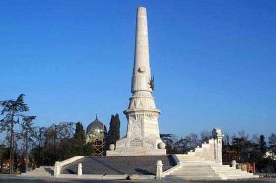 İstanbul'da bulunan birbirinden ilginç mezarlar