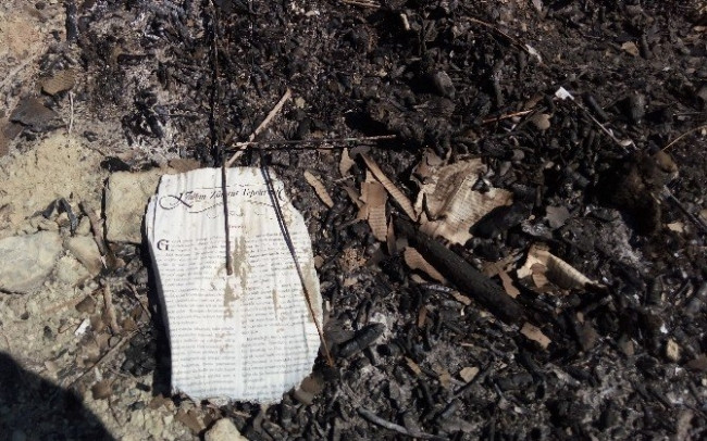 Mermi ve yakılmış kitaplar bulundu !