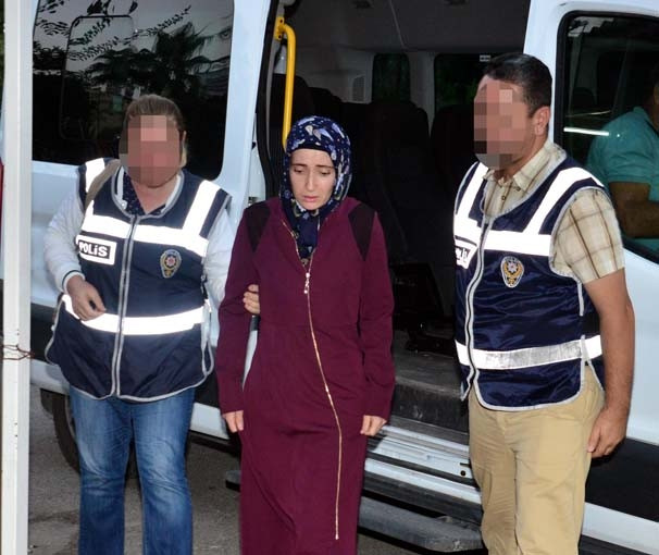 Ev kadınlarına FETÖ operasyonu: 10 gözaltı