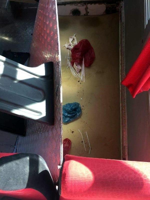 Minibüsün gizli bölmesinden 2 PKK'lı çıktı