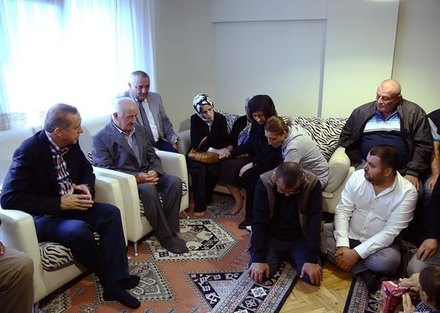 Erdoğan'dan şehit ailelerine taziye ziyareti