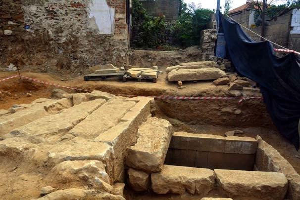 2 bin 400 yıllık mezardan çıkanlar şaşırttı