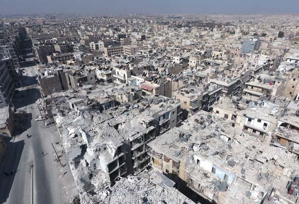 Harabeye dönen Halep havadan görüntülendi