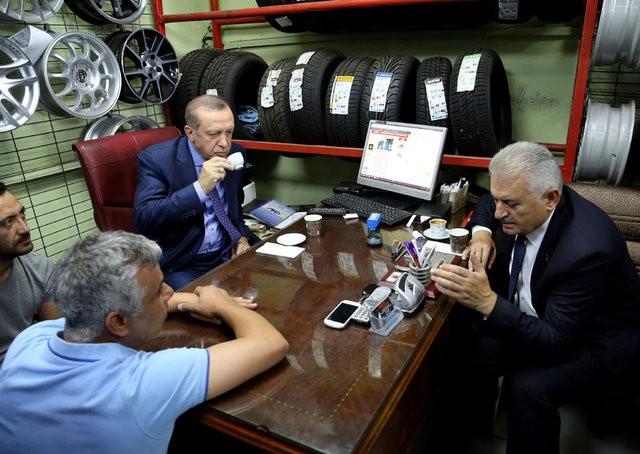 Erdoğan'ın elini fazla sıkan berber konuştu