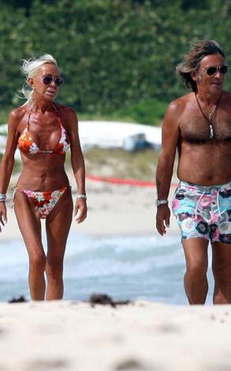 Donatella Versaceden bikini şov