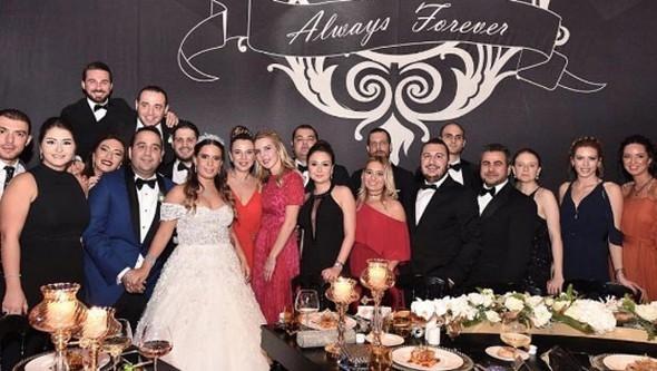 Sinem-Kenan çifti düğünde kurtlarını döktü
