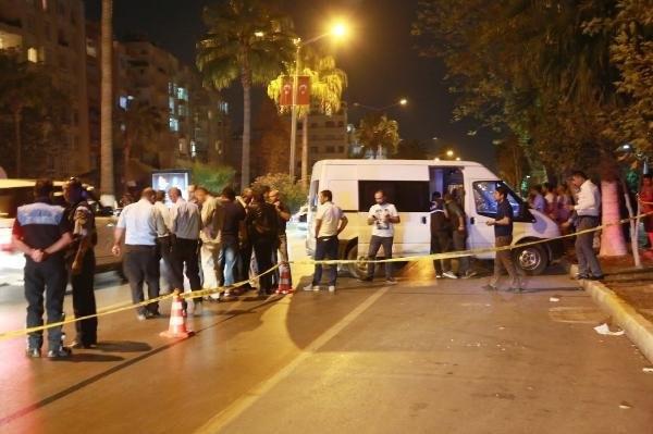 Mersin'de polislere saldırı: 2'si polis, 3 yaralı