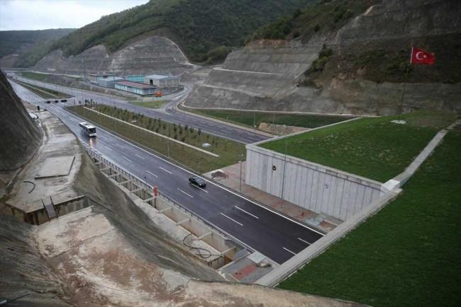 Türkiye'nin en uzun 'otoyol tüneli' Orhangazi Tüneli