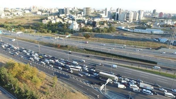 Mahmutbey'de trafik çilesi