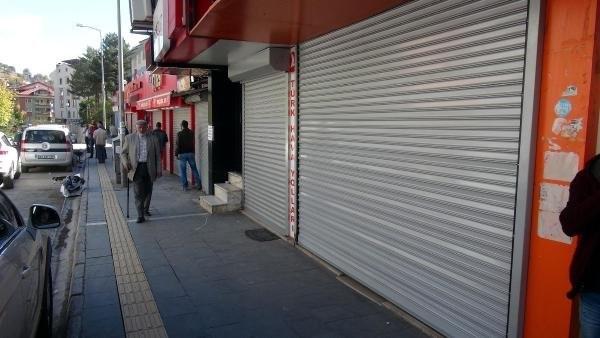 Tunceli'de kepenkler açılmadı