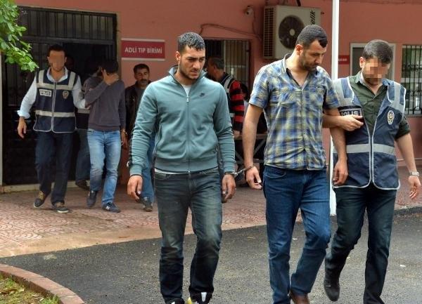 Adana'da şoke eden görüntü: Torbacı aranıyor