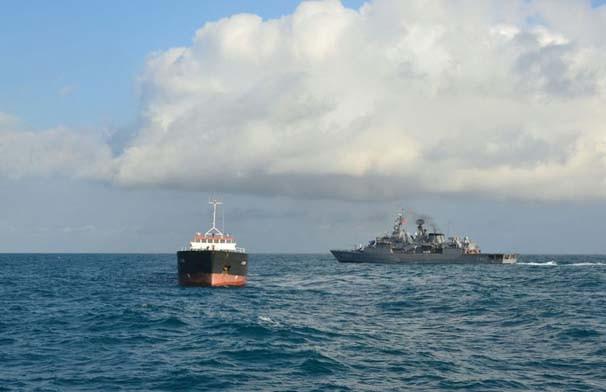 Sürüklenen gemiye film gibi kurtarma operasyonu