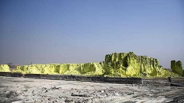 Musul'da 50 bin ton kükürt için için yanıyor