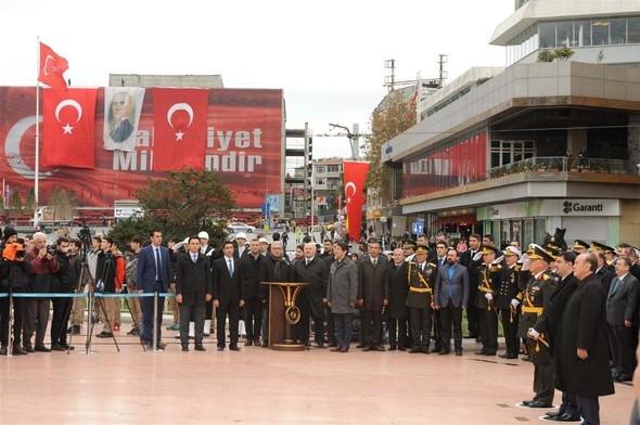 Taksim'de 29 Ekim töreni