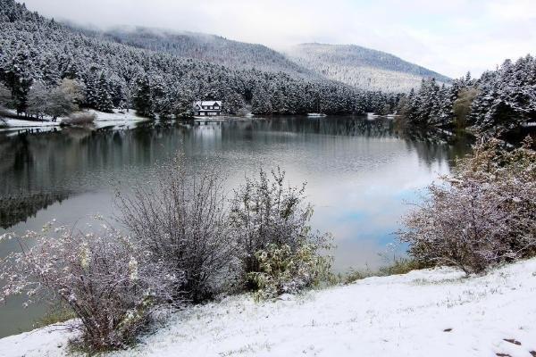 Kar yağışı eşsiz manzaralar oluşturdu