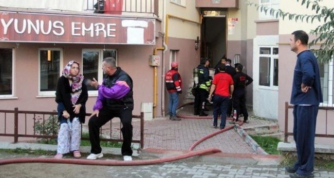 Yangında 3 yaşındaki çocuk öldü