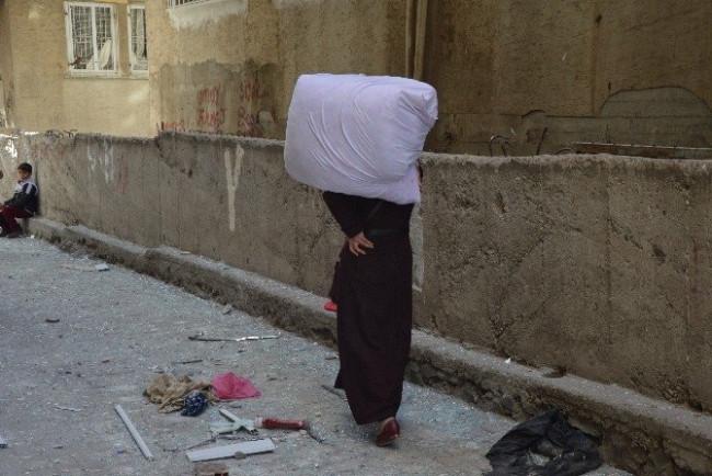 Diyarbakır'da patlamanın ardından göç başladı
