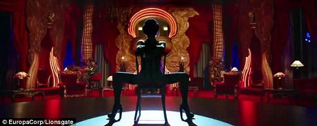Rihanna bu sefer film için dans etti