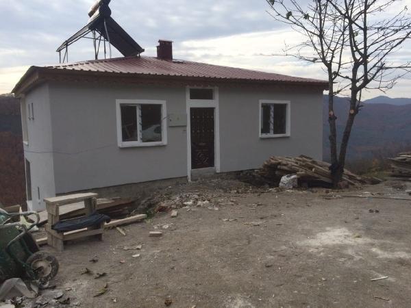 Şehidin ailesine 3 katlı ev yapıldı