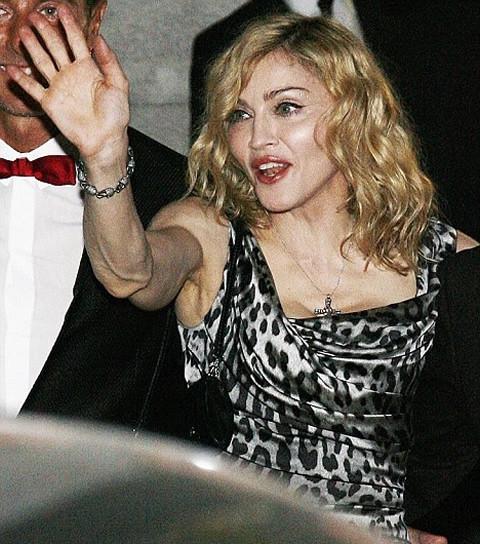Madonna'nın elleri yaşını ele verdi