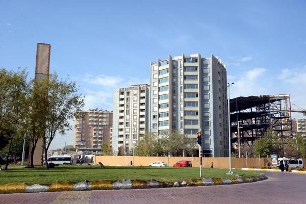 Diyarbakır'ın ikiz kuleleri tıraşlandı